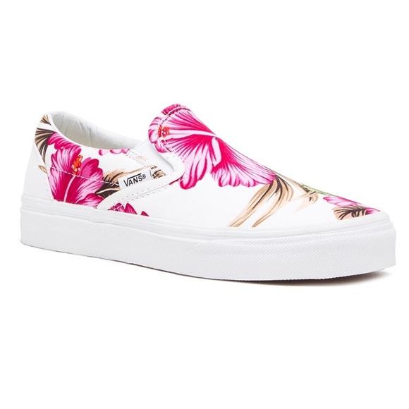 abc582eb93 Size 7.5 Vans Hawaiian Floral Slip-Ons 🌺🌴. M 5a5e342805f430874729e1b6